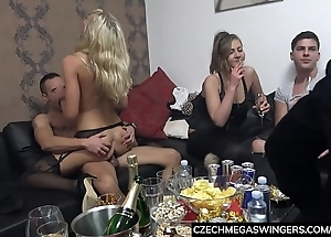 Blonde unskilled ridding single dicks clubby swingers
