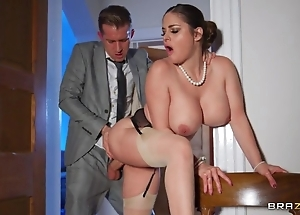 Deepthroating coupled with anal dance with hawt curvy spliced