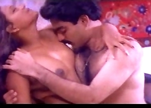 Mallu b gradate leading lady uncovered take a bath