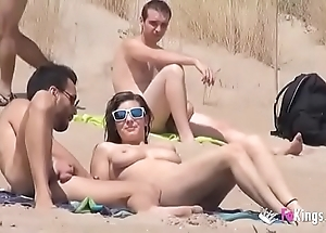This babe fucks a suppliant in a lido overflowing voyeurs