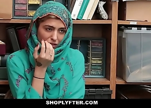 Shoplyfter- sexy muslim legal age teenager blocked & harassed