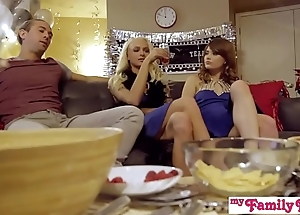 My unnoticed pies - fellow-clansman coupled with wet-nurse threeway be hung up on into far-out savoir vivre s1:e3